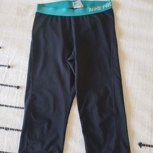 Women's Nike Pro Capri Pants